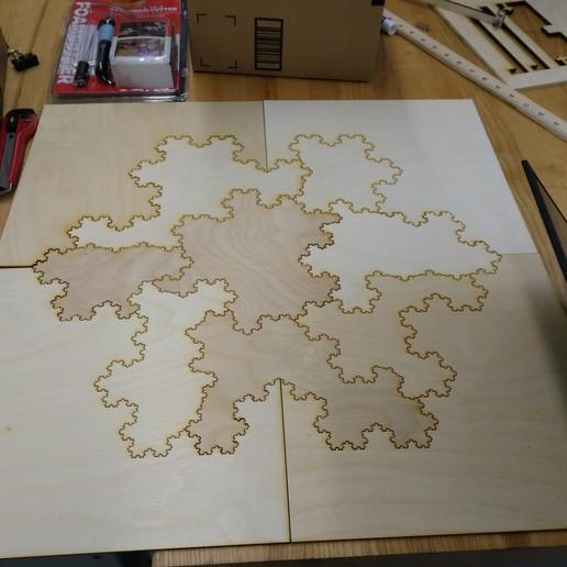IMG_20190419_151338.jpg Télécharger fichier STL gratuit [Mathematical Art/Toy][Découpe laser] Koch Snowflake Puzzle • Plan pour impression 3D, Kay
