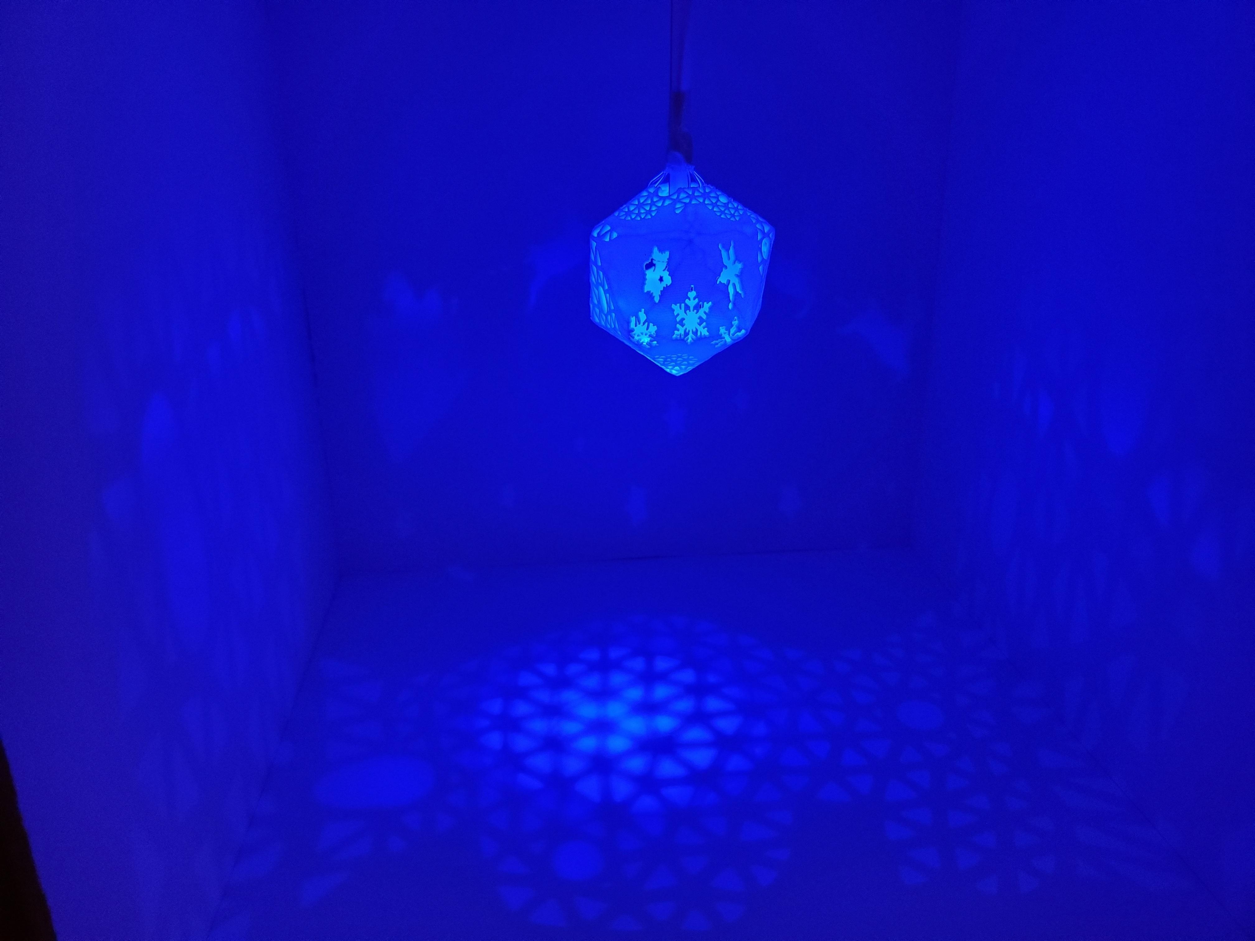 A_world_of_unbounded_dreams4.jpg Télécharger fichier STL gratuit Série de lampes perforées • Objet pour impression 3D, Kay