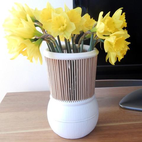 Vase with Wooden Neck 3D model, djgeenen