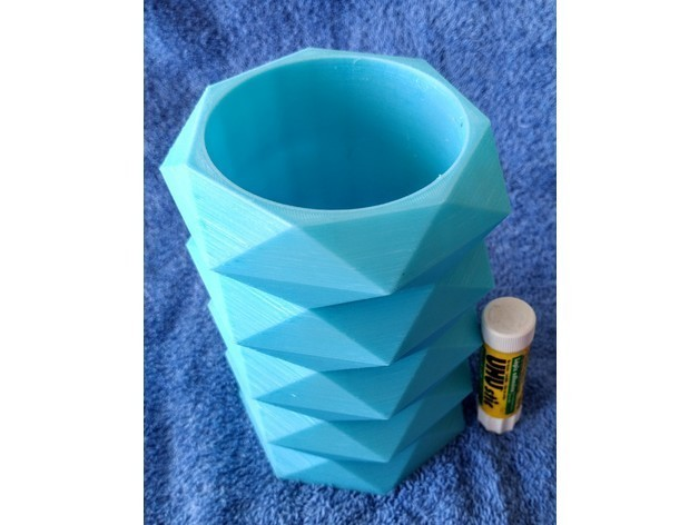 156005c5baf40ff51a327f1c34f2975b_preview_featured.jpg Download free STL file Faceted Vase 1 • 3D printer object, Birk