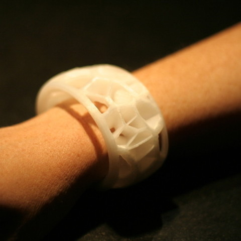 Bracelet_Voronoi_3_-_Cults_-_by_ADK_Eric.jpg Download free STL file Voronoi Bracelet • 3D printing model, Cults