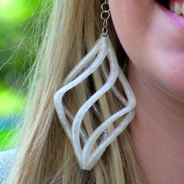 spiral_earing-cults-mizchief100_1.jpg Download free STL file Spiral Earring • 3D printable model, Cults