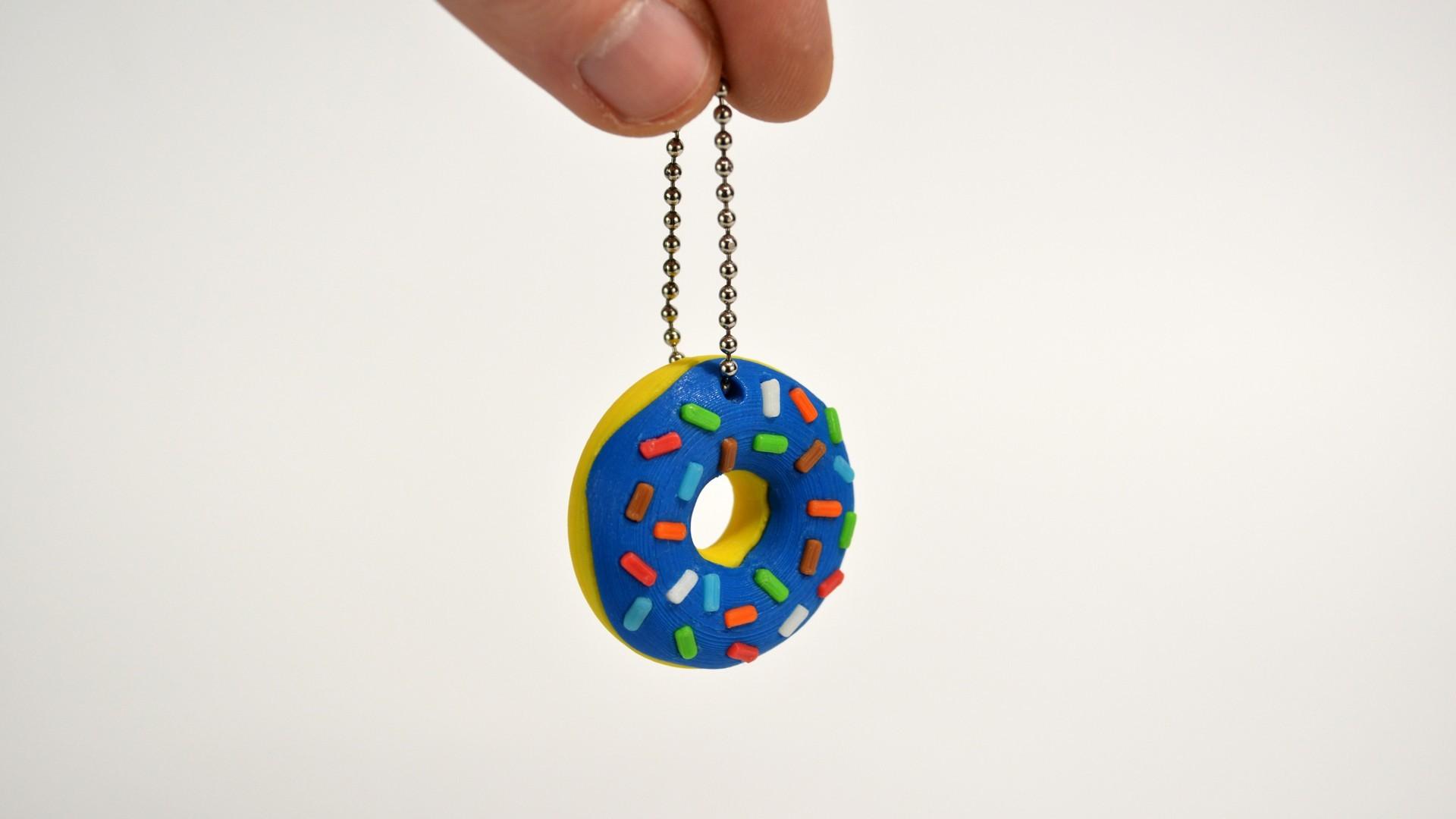 donuts_01_.jpg Télécharger fichier STL gratuit Porte-clé Donut • Objet pour impression 3D, 2be3d