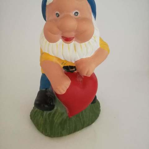 Download free STL Garden gnome with heart, Pegazepi