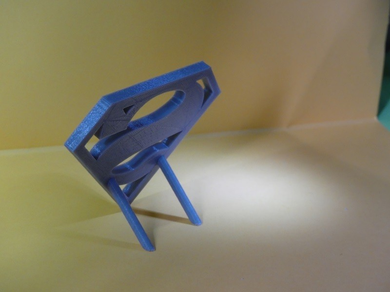 P1010079 800X600.jpg Download STL file Logo Superman a Poser • 3D printable object, Cybric