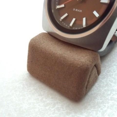 Download free STL file watch stand - totu -  • 3D printable model, masa_4dc