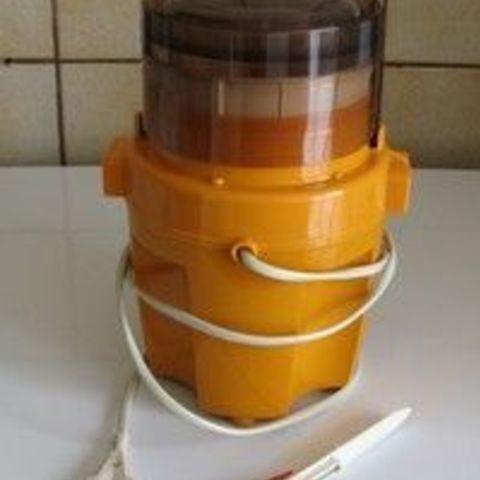 f90dda8744ebc0c093751f8ef0503a30.jpg Download STL file Gable for Moulinex vintage blender • 3D printer model, Helios-Maker