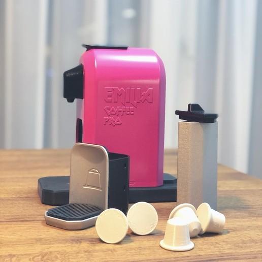 7D27708D-2951-4B87-A1AD-40EDC2D7F2E4.JPG Télécharger fichier STL gratuit MACHINE À CAFÉ JOUET • Design pour imprimante 3D, 3DWORKBENCH