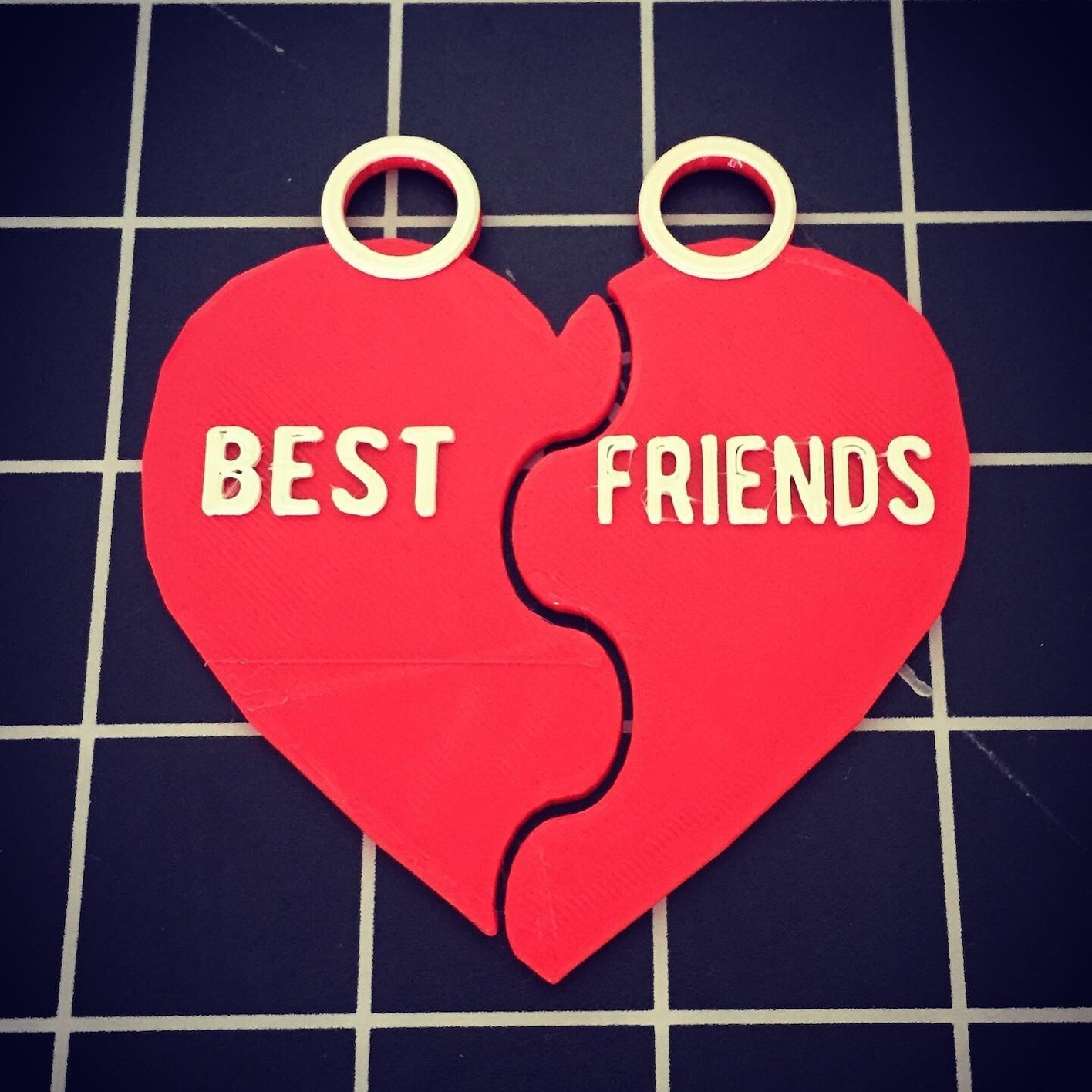 8115C7D5-09A3-43CD-B21E-4A54A5D78E35.JPG Download free STL file Best friends BFF during • 3D printer object, serial_print3r