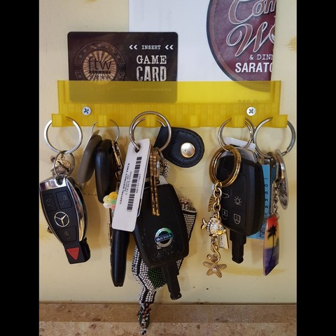 Free stl Key Ring Holder with Gift Card Shelf, barb_3dprintny