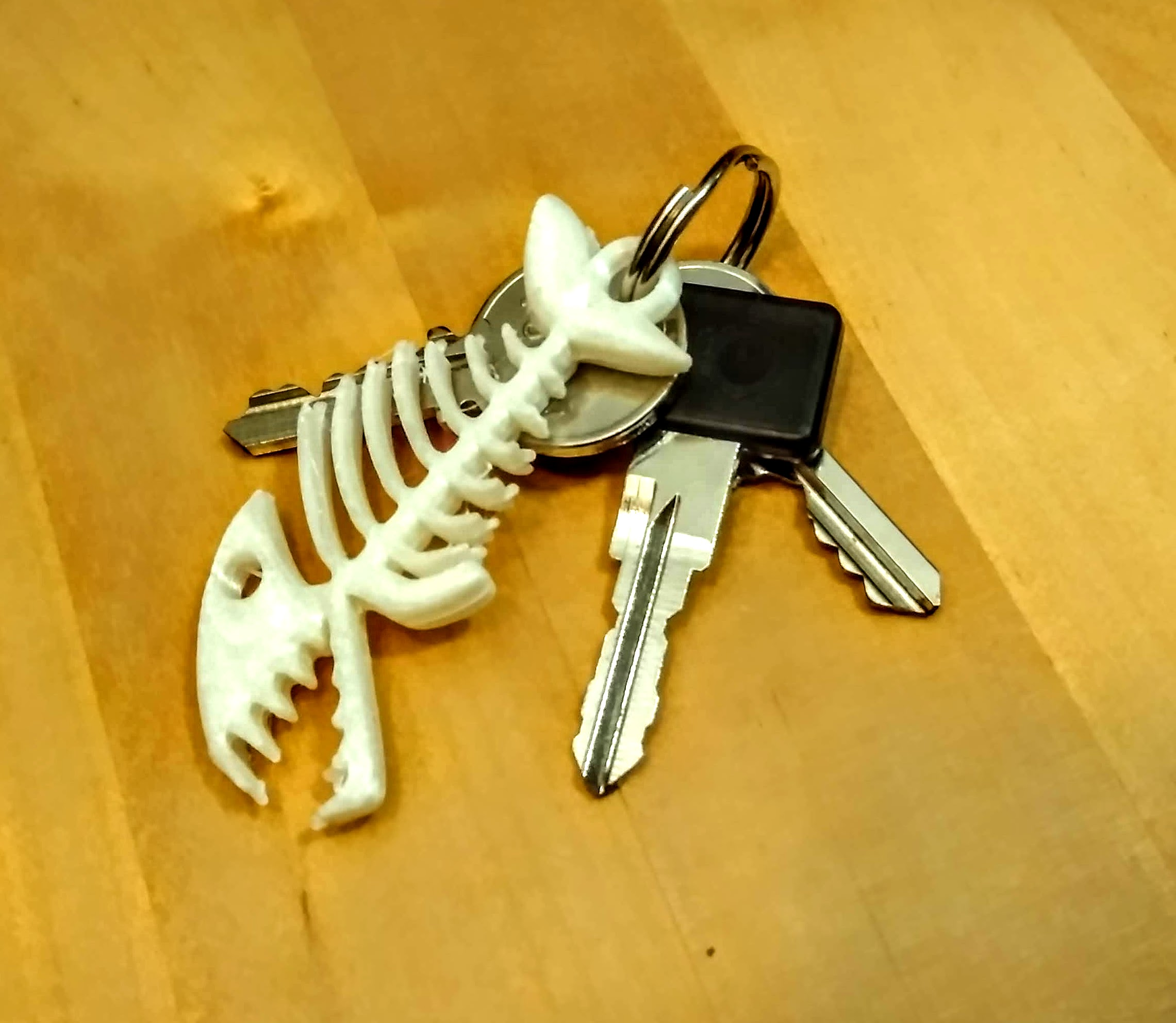 IMG_20190924_234545.jpg Download free STL file Keyring, Fish skeleton • 3D print model, phipo333