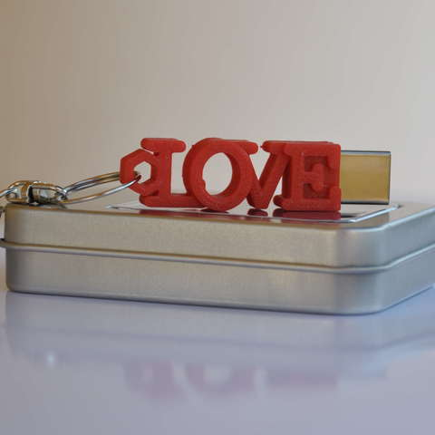 Impresiones 3D gratis LOVE shaped usb flash drive case with keychain, Emese