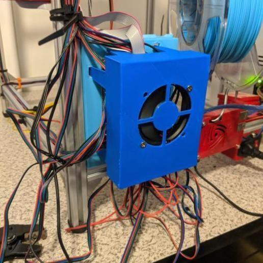 IMG_20200801_203751.jpg Télécharger fichier STL gratuit Montage simple SKR1.4 pour l'extrusion 2020 avec refroidissement actif • Objet à imprimer en 3D, maxdamage