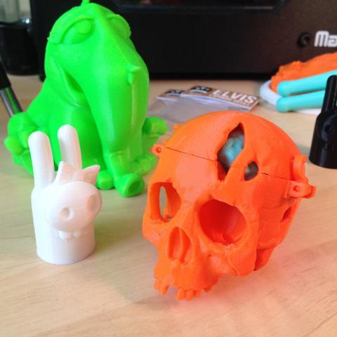 SkullBox_3DK_1.jpg Download free STL file Boneheads: Skull Box w/ Brain - via 3DKitbash.com • Model to 3D print, Quincy_of_3DKitbash
