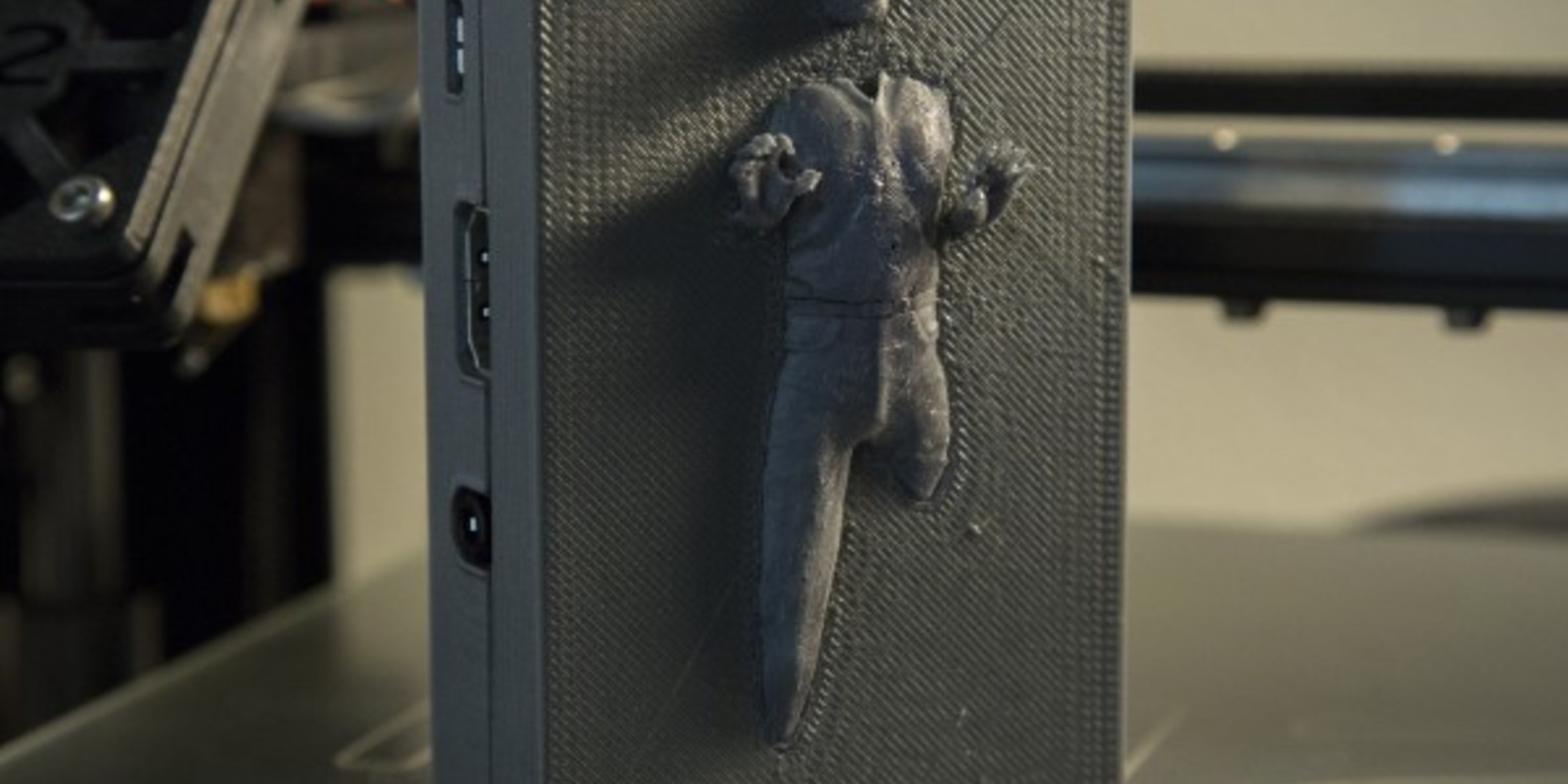 Han Solo in Carbonite on this case for Raspberry Pie 2 / B +