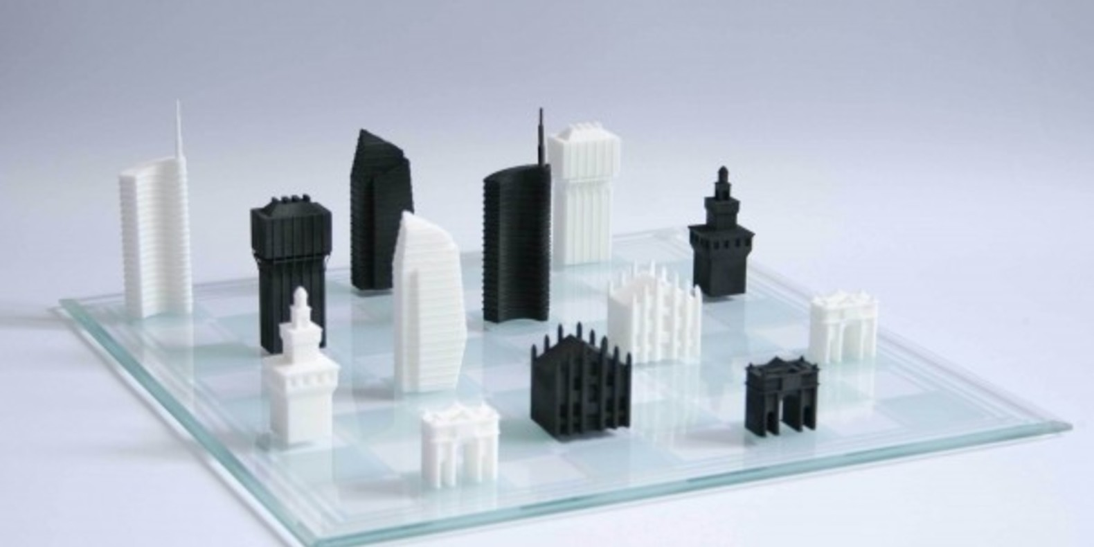 Chess game inspired by the city of Milan printed in 3D