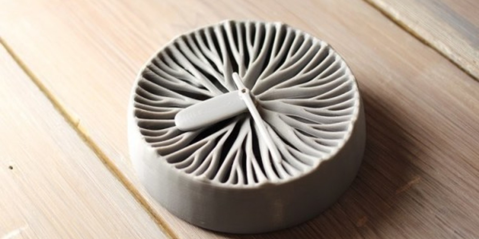 Pekka Salokannel creates a 3D printed clock