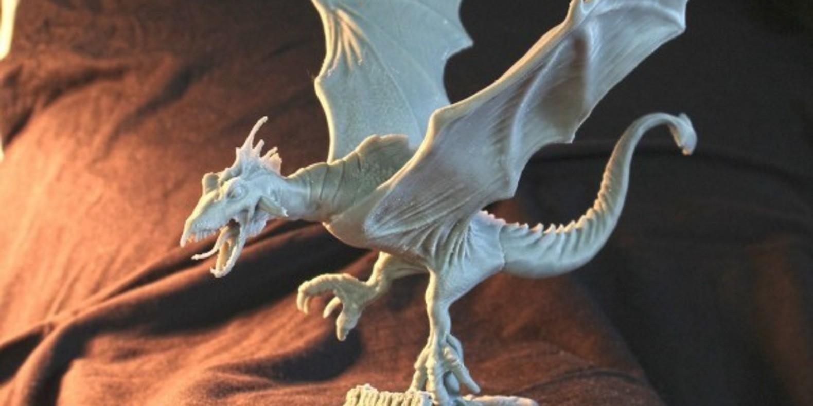 Un incroyable dragon imprimé en 3D par Milos Tutus