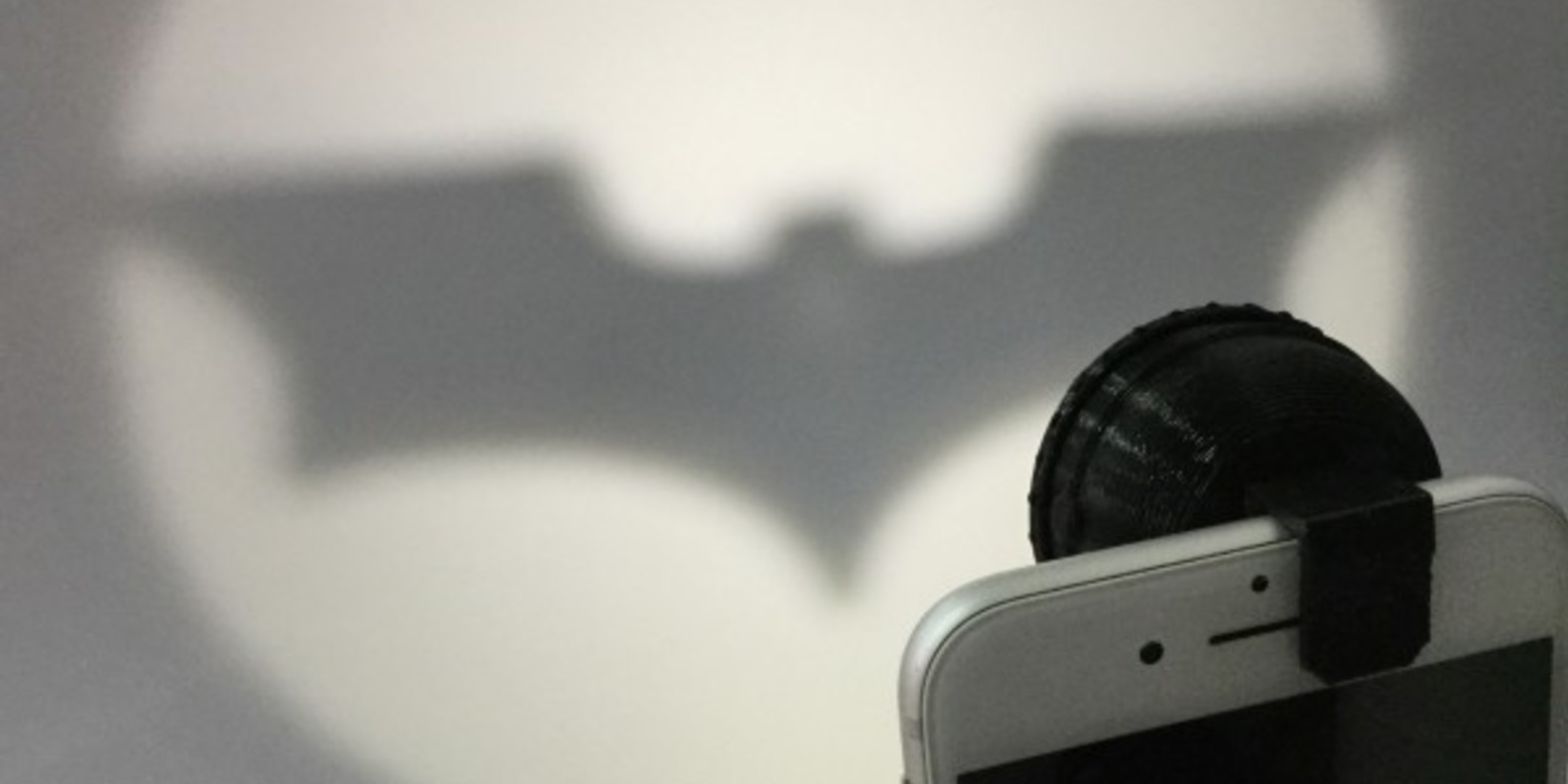 Bat-signal-fichier-3D-stl-cults-3DNG-iphone-1.jpg