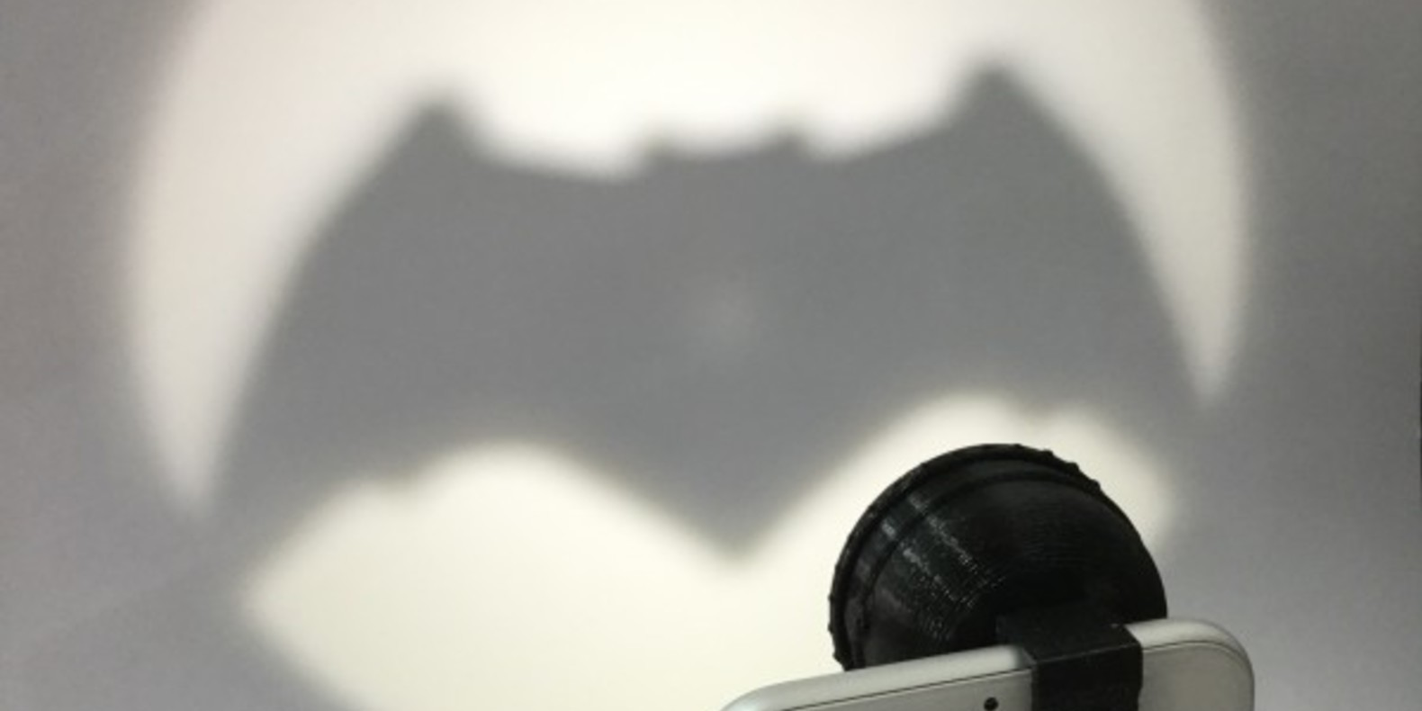 Bat-signal-fichier-3D-stl-cults-3DNG-iphone-2.jpg