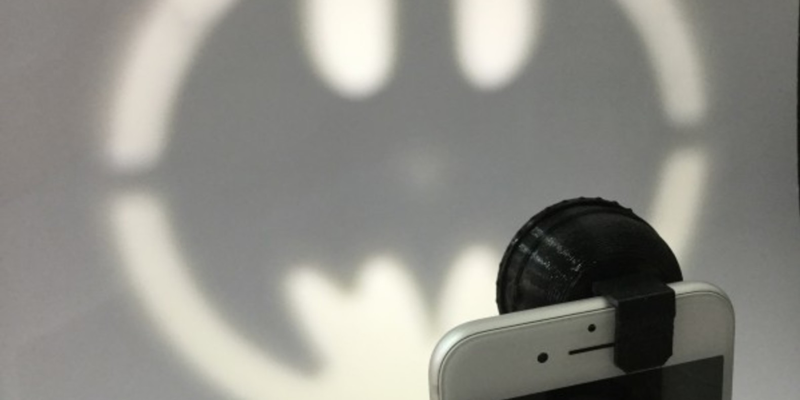 Bat-signal-fichier-3D-stl-cults-3DNG-iphone-4.jpg