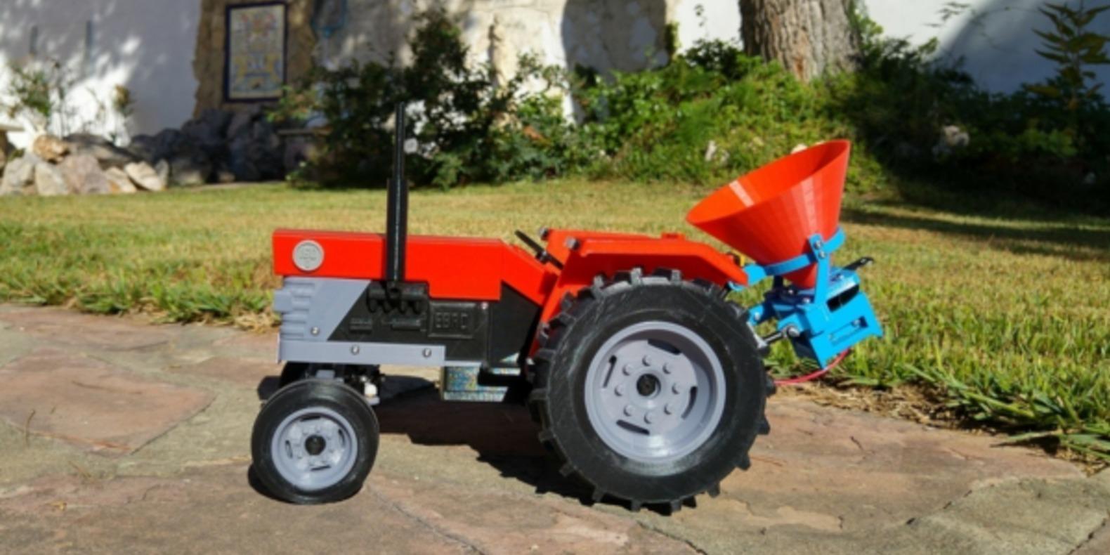 Tracteur-imprimé-en-3D-fichier-3D-cults-openRC-tractor-7.png