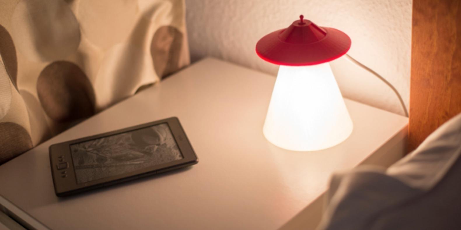 OVNI-lampe-UFO-cults-impression-3D-enfant-2.png