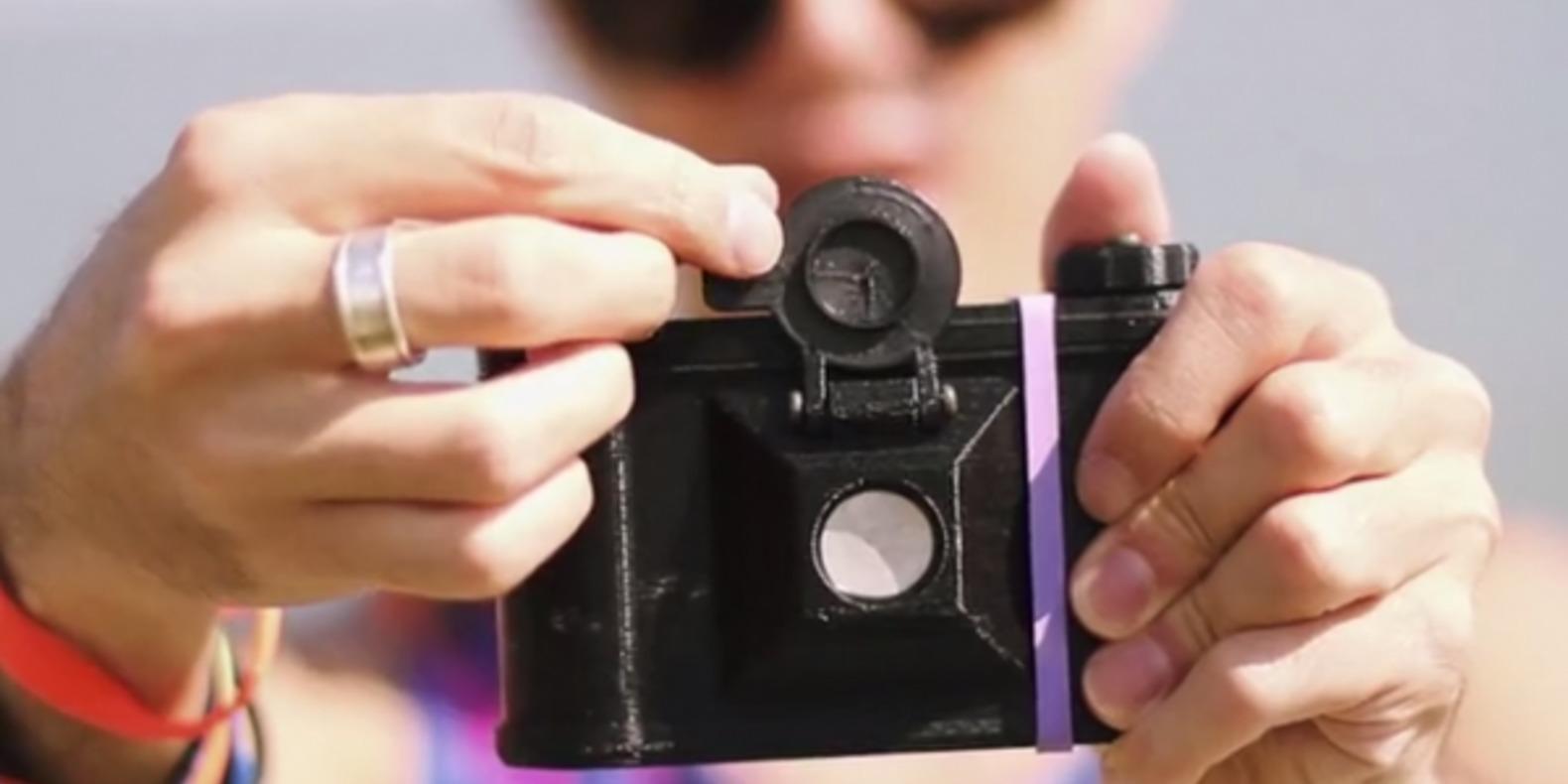 http://fichier3d.fr/wp-content/uploads/2013/10/sténopé-camera-obscura-pinhole-camera-3D-printed-impression-3D-fichier-3D-STL-clint-oconnor-cults-3D-cults-designer-1-e1382003947497.png