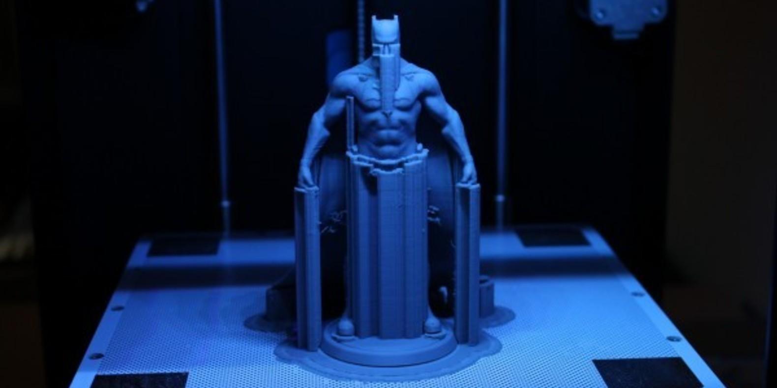 http://fichier3d.fr/wp-content/uploads/2016/02/Batman-vs-superman-ben-affleck-figurine-imprimée-en-3D-statuette-figure-tutus-cults-stl-fichier-3D-4.jpg